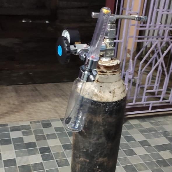 Provide oxygen cylinder