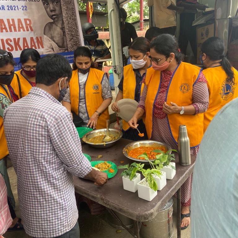 Ek Aahaar Ek Muskaan : Feed the Hunger
