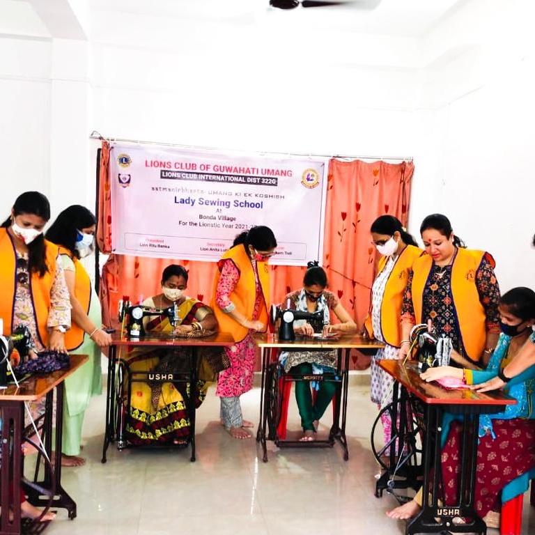 Sewing machine donation at Bonda